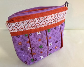 Small pouch; pleated pouch; jewelry bag