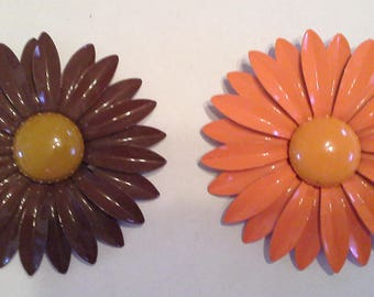 Set of 2 Vintage Enamel Daisy Pins/Brooches - Orange & Brown