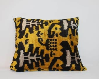 İkat Velvet Pillow Cover, 16'' x 18'' , Decorative Pillow, Handmade Silk Pillow, İkat Lumbar Pillow,  Shipping with Fedex 1-3 days