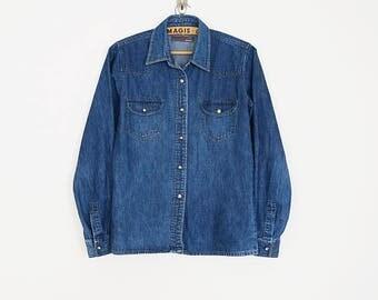 SALE ! Vintage 90s classic denim button down shirt // Size XS/S