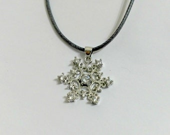 "CHRISTMAS OFFER: Necklace ""Snowflake"", snowflake pendant"