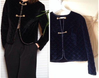 Corduroy jacket black matelasee to buttons vintage gold chains (L - 40/42)