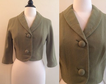 Vintage 1950s Sage Green Knitted Wool Crop Jacket with Matching Lining and 3/4 Sleeves and Oversized Buttons