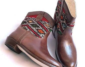 Vintage kilim & Brown Leather short Boots  US8,5  EU39 UK6