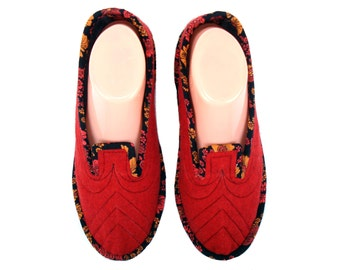 Red Wool House Slippers, Ladies Slippers, Adults Slippers, Wool Shoes, Slippers for Women, House Shoes, Bedroom Slippers, Travel Slippers