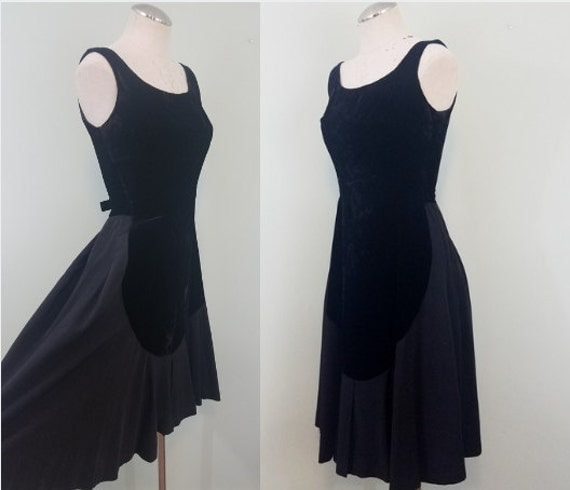 Late 1950s LBD / Black Velvet and Taffeta Cocktail Dress / Vintage Little Black Dress / Modern Size XXS to Extra Small XS
