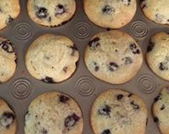 Blueberry muffins, mini muffins, edible gifts, snacks, homemade baked goods, homemade muffins, baked goods,