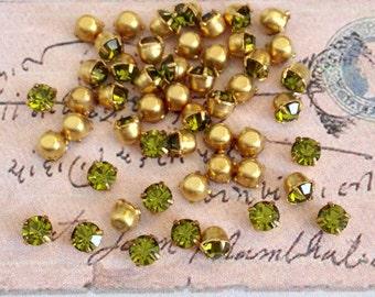 20 vintage olivine swarovski austrian crystals in brass setting 3.2nm  #rd14-12