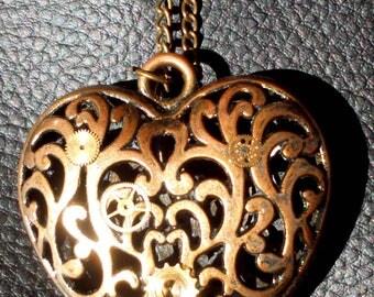 """""""Heart of gears"""" pendant"""