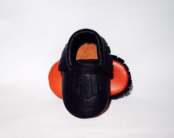 Black and Red Loubouties Leather Baby Moccasins 3-6 months 6-12 months adorable! Baby shoes!