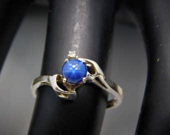 10K White Gold Blue Star Saphire Ring