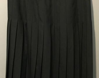 Vintage 1980s The Rose Room Black Pleated Skirt Size 6