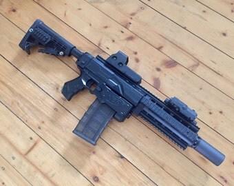 Custom Nerf Retaliator // Heckler & Koch HK416 Black Ops + PEQ-16 laserpointer + internal mods!