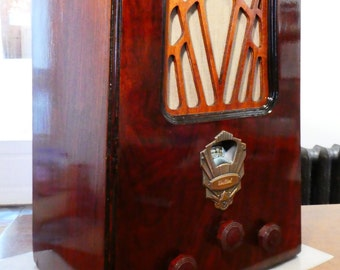 Bluetooth speaker system 1930 very rare Pierce Airo / DeWald model 632 radio.