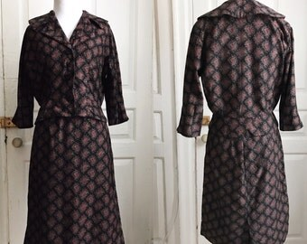 "1950s / 50s vintage ""Gaylene's Trim Traveler"" paisley skirt suit"