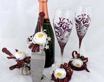 Wedding set Plum Wedding champagne flutes Wedding serving set Purple wedding Toasting glasses Wedding glasses Wedding knife set