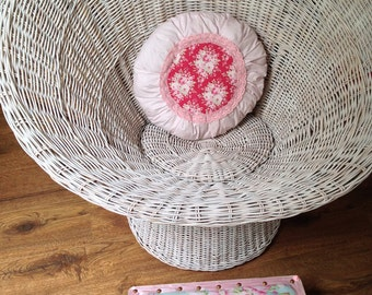 Round cushion Frizz in the shabby look