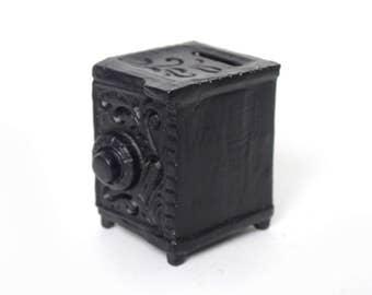 Vintage Decorative Mini Safe Iron Bank