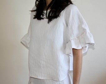 Lila Blouse- Oversized blouse with ruffled sleeves and boxy shape (Navy and Pink)