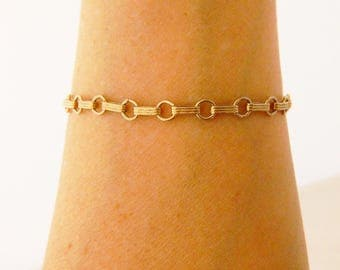 Vintage Interlocking Chain Link Retro Bracelet Gold Tone Delicate 7.25""