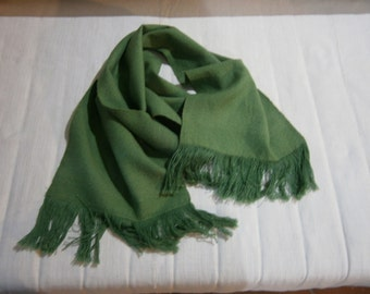 Hand-woven wool scarf Green