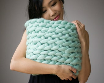 Extreme Crocheted Cushion Pattern
