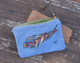 Case/wallet, painted feather