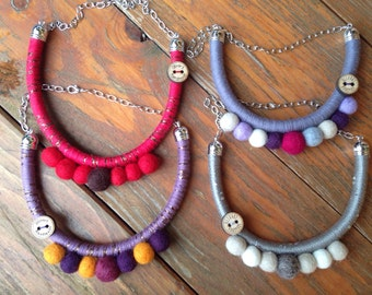 Smile necklace Olivart//cotton and felt Necklace//accessories//gift ideas//jewellery//natural yarns