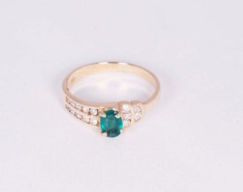 14K Yellow Gold Emerald and Diamond Chip Ring, size 6