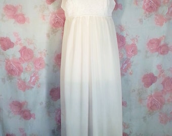 Vintage Henson-Kickernicks gown