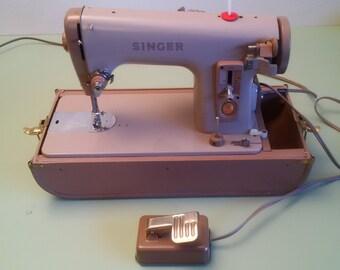 Singer 227M Heavy Duty Sewing Machine - All Metal