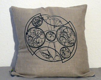 TARDIS Console, Doctor Who, Decorative Linen Pillow Cover, in Black, Natural or Burgundy - Fits a 50 by 50 cm Pillow (Not Included)
