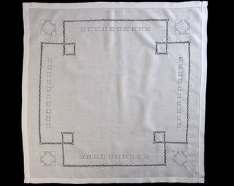 """Vintage White Linen Embroidered Drawn Work Tablecloth, Tea Tablecloth, Bridge Tablecloth, Luncheon Tablecloth – 33"""" square (cv1746)"""