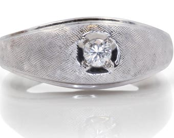 Vintage Men's Ring: A White Gold and Diamond Ring with Old World Charm | U2109
