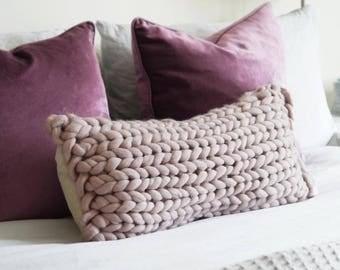 Chunky knit oblong cushion in Mink Blush - Chunky knit Pillow - Oversized Knit Cushion - Decorative Pillow Cushion - Scandinavian Modern