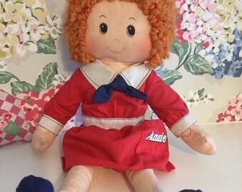 Vintage 1982 annie rag doll
