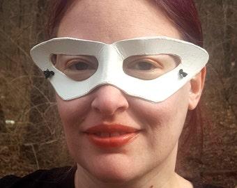 White Tuxedo Mask - Pointed Edged Molded Leather Anime Mask - Cosplay Costume