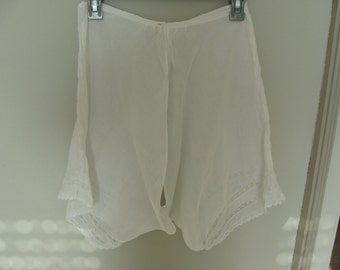 Vintage white cotton lace