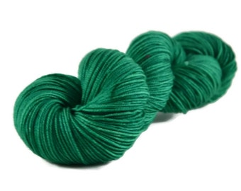 Sport Yarn, Merino yarn, sport weight yarn, superwash wool yarn, 100% Superwash Merino, green, hand dyed yarn, merino sport - Christmas