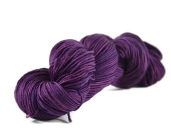 Sport Yarn, Merino yarn, sport weight yarn, superwash wool yarn, 100% Superwash Merino, purple, merino sport - Amethyst