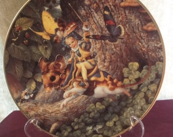 """Limited edition plate features """"tom thumb""""  made by knowles fine china   dia =22cm"""