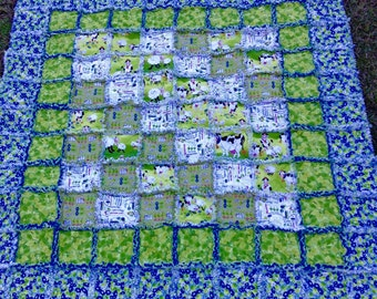 Morning Glory Farm Quilt, 50x48 cotton and flannel, Blue quilt