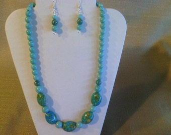 168 Gorgeous Magnesite and Mosaic Graduated Turquoise Beaded Choker