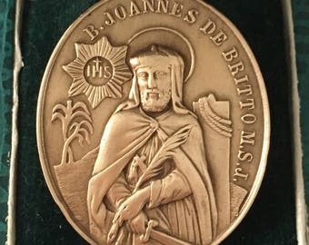 19th Century Rare Antique Bronze Religious Medal By Alcan Jesuit Priests, De Britto and Bobola, Beatification 1853