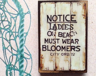 Wear Bloomers - Vintage Magnet