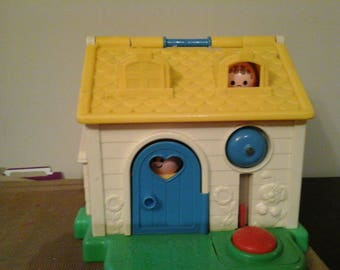 Vintage 1984 fisher price discovery cottage