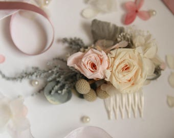 Garden wedding essential- preserved flower hair ornament in champagne and pink colour