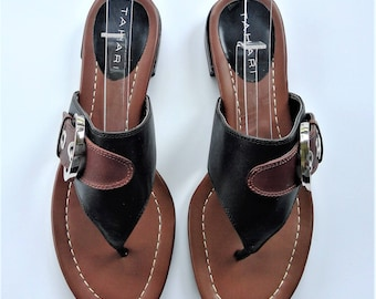 NOS Tahari Brown Black Leather Flip Flop Sandals  - Size 7M