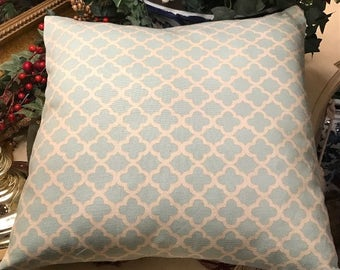 Quatrefoil Pillow Cover