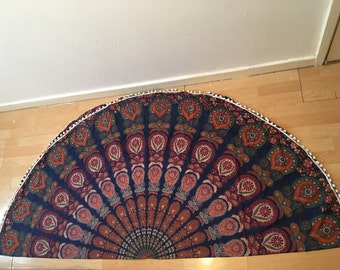Round mandala tapestry throw